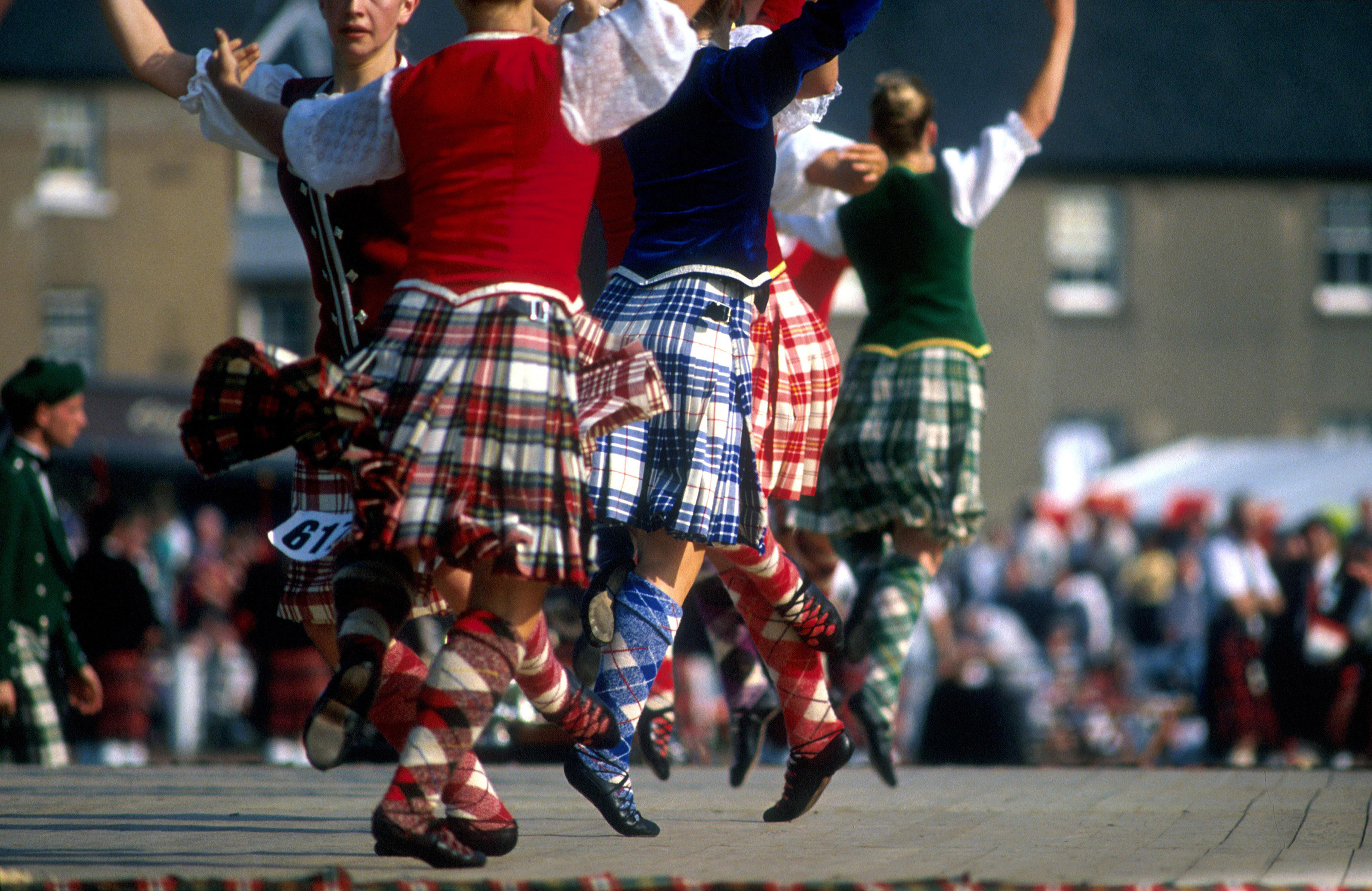 Skotland med Edinburgh tattoo. Fly Esbjerg. UDSOLGT, 8 dages rundrejse. Tattoo på Edinburgh Castle.