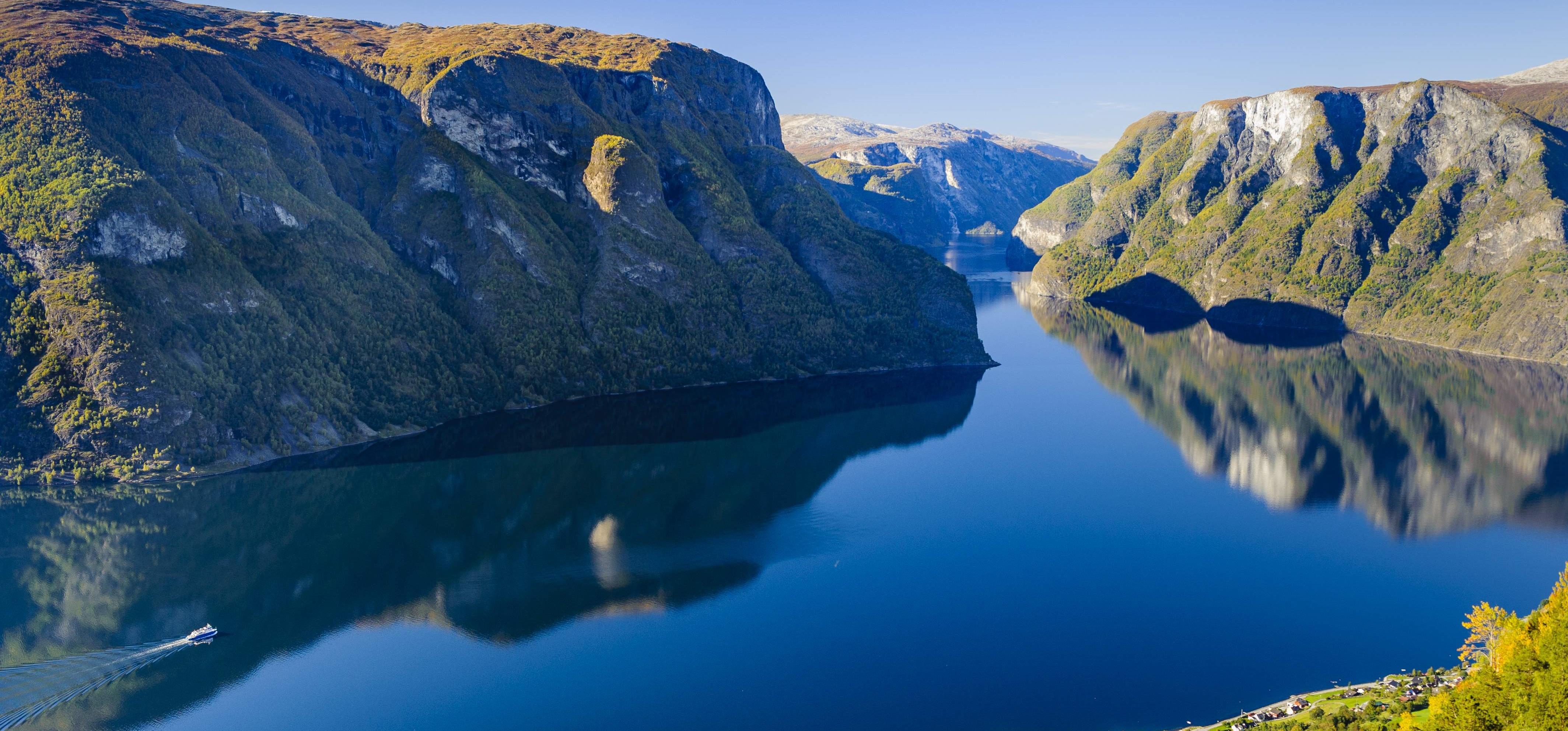 Stavanger, Gaustablikk, Telemarken, Lysefjorden | Hardangervidda | Kampen om det tunge vand | Gaustatoppen